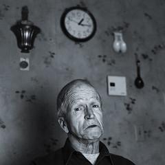Jean-Jacque Meunier 63 ans (Benoit.P) Tags: portrait bw man art 50mm mood montral benoit mtl f14 strangers stranger nb 5d troisrivieres mauricie tr homme paille stanger troisrivires inconnu tranger benoitp benoitpaille