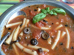 Scharf-würzige Pasta-Suppe
