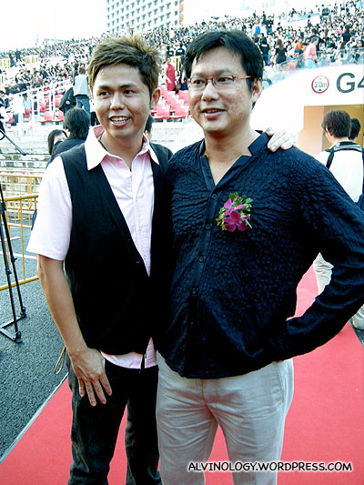 Wen Hong and Chim Kang at the stage side