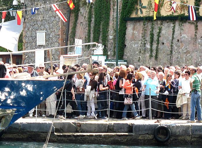 boat-queue-portofino-3135