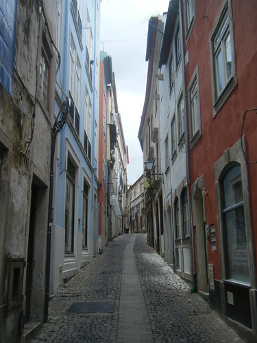 A baixa em Coimbra (downtown in Coimbra) by you.