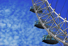 London eye (Larry Sin) Tags: uk inglaterra sky cloud london unitedkingdom londoneye cielo nubes londres noria granbretaa platinumheartaward larrysion
