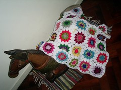 My Little Pony is warm now (LauraLRF) Tags: squares crochet afghan sunburst granny cuadraditos