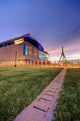TD Garden (Amar Raavi) Tags: bridge sunset boston canon nhl massachusetts newengland sigma wideangle arena bruins bostonbruins nba bostongarden fleetcenter celtics hdr amar beantown zakimbridge northstation bostonist sportsarena thegarden bunkerhillbridge tdbank sigma1020mm tdbanknorthgarden bostonceltics zakimbunkerhillbridge causewaystreet tdbanknorth tdgarden raavi ellerbebecket delawarenorthcompanies canoneos40d shawmutcenter bostonblazers amarraavi haverhillstreet