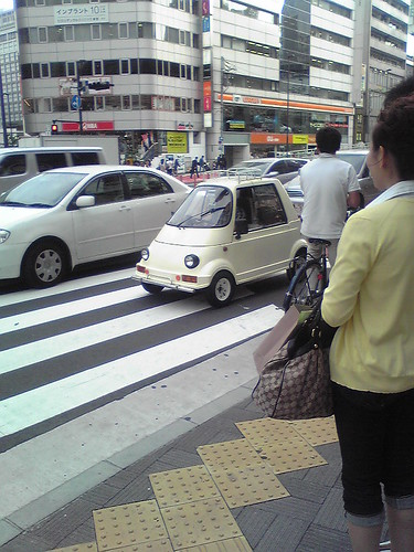 Tiny car in Shinjuku 2