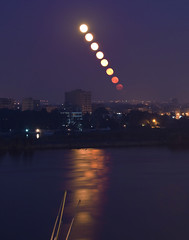 Timelapse Moon (c_m_s_99) Tags: sky moon reflection set night photoshop river timelapse nile cairo moonset d300