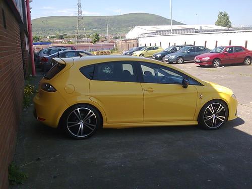 Yellow Seat Leon FR TDI REG: M12 DBH