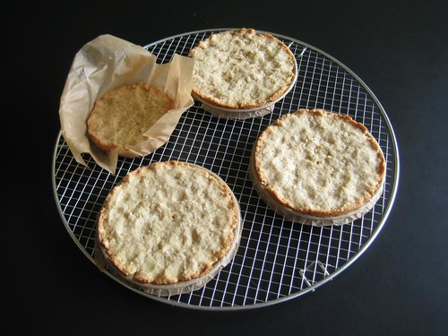 Almond-oat crust for rhubarb coconut tarts