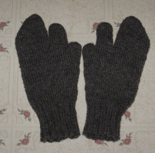 Trigger Gloves Knitting Pattern : Just in the Knit of Time: Trigger Finger