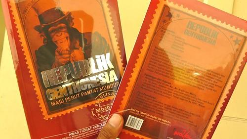 2 Buku Republik Genthonesia