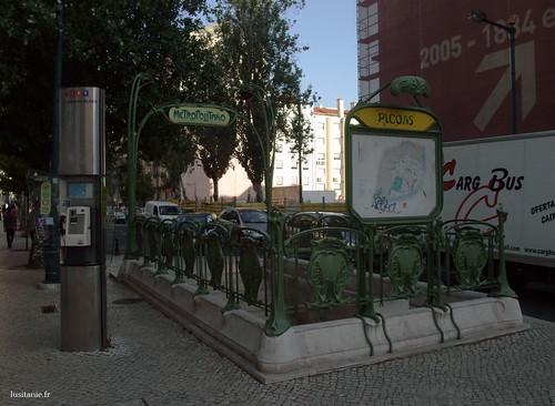 Entrada do metro em Lisboa