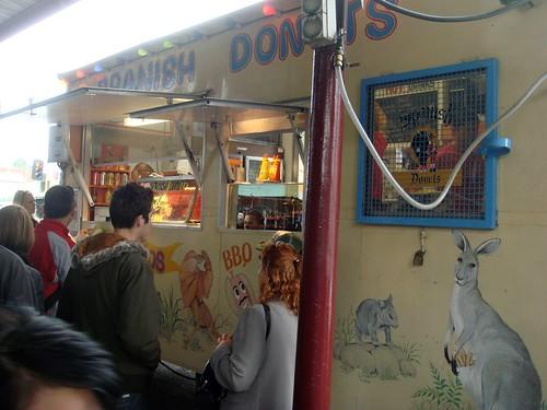 Spanish donut van@QVM