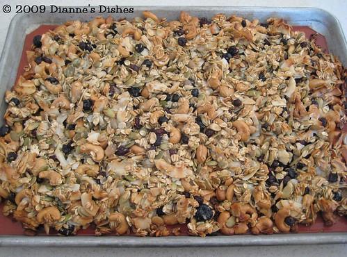 Blueberry Cashew Granola: Baked