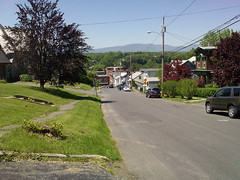 You don't walk your bike up hill, Stupid.  You ride it DOWN. (andyXchrist) Tags: catskill hudsonvalley bicycletour zn5