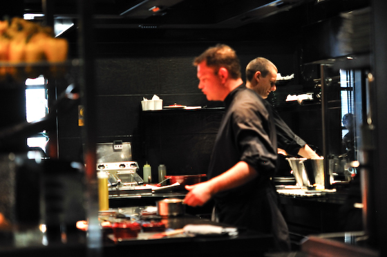 L'Atelier de Joel Robuchon: the kitchen