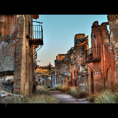 Belchite (Paco CT) Tags: urban architecture town arquitectura ruins war cityscape village pueblo guerra explore ruinas urbano 2009 urbanscape paisajeurbano belchite ltytr1 pacoct