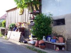 Fr Grtner (happycat) Tags: germany bayern junk yardsale fleamarket trdel flohmarkt trdelmarkt oberfranken ahorn junkmarket lkcoburg ahornbeicoburg