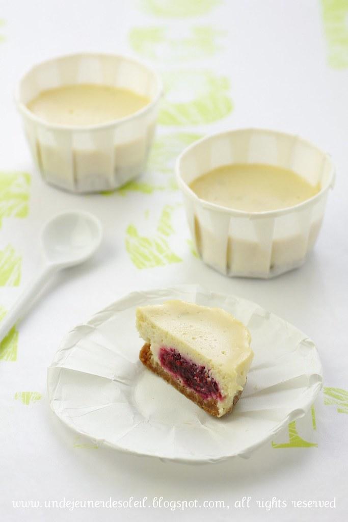 Mascarpone and raspberries cheesecake