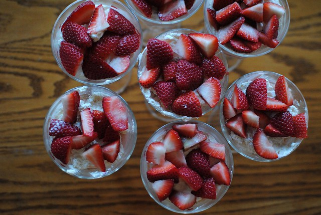 strawberry cake trifles