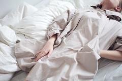 Stasya (IrinaSlipchenko) Tags: morning bw white black girl blackwhite bed bedroom hands legs body sleep bodylanguage slip wakeup tann slipchenko tannmodels