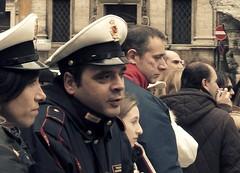 Study of profiles: #1 Ragazza e carabinieri (ilonqua) Tags: people italy rome uniform faces crowd profile carabinieri italians streetsnap enprofile ilonqua
