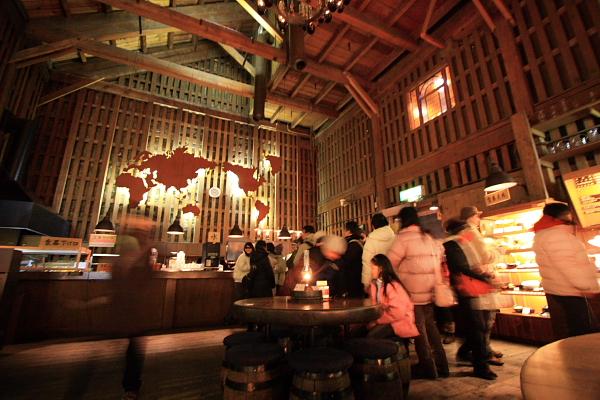 2009北海道-D3-3-歐風煤油燈咖啡_05.JPG