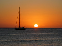 Sunset (photon_de) Tags: ocean sunset sky sun color beach water meer wasser sonnenuntergang dominicanrepublic sonne g9 cataloniagrandominicus