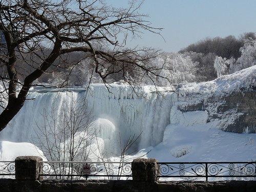 ~Niagara Falls in Winter~
