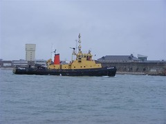 SD Bustler (PD3.) Tags: chile red ice ship harbour plum hampshire solent portsmouth endurance falklands patrol southsea icebreaker iow hms antartic hants hmsendurance redplum a171