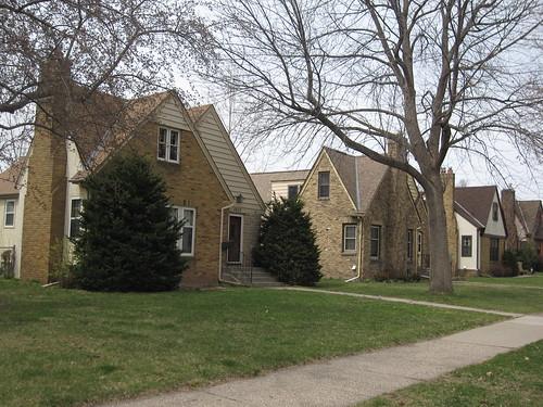 Diamond Lake Neighborhood Homes