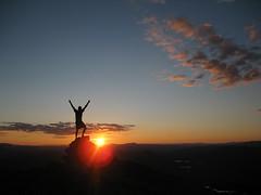 Oksen, 1242 moh (Jo Bjørnar Hausnes) Tags: sunset summer sky silhouette rock night clouds evening mood view himmel utsikt natt solnedgang hardanger kveld skygge granvin stemning silhuett lønahorgi oksen