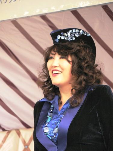 Saraa in Tokyo Havriin Bayar 4