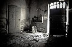 #S (ZAVAI) Tags: italy nikon italia decay 2009 abbandono esplorazione zavai