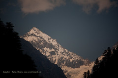 Mountain Peak at Harsil (Tarun Chopra) Tags: portrait india mountains nature canon photography asia wizard greatshot dslr gurgaon purchase bharat newdelhi touristattractions gangotri photograpy chamba canoncamera dhanaulti nicecomposition harsil hindustan greatcapture lowerhimalayas harshil indiaimages perfectcomposition traveltoindia superbshot superbphotography fantasticimage betterphotography discoverindia makemytrip hindusthan earthasia smartphotography flickrbestshots uthrakhand mustseeindia uterkashi discoveryindia buyimagesofindia