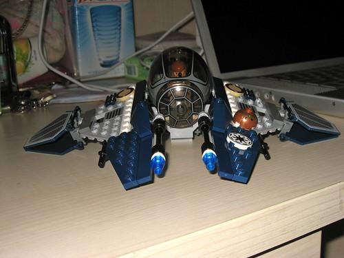 Lego Star Wars 7661 - Jedi Starfighter