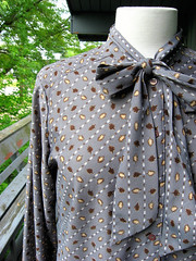1980s leaf print ascot/scarf neck secretary blouse (Small Earth Vintage) Tags: brown shirt scarf vintage print grey leaf clothing top gray ascot blouse secretary 1980s longsleeve tieneck smallearthvintage