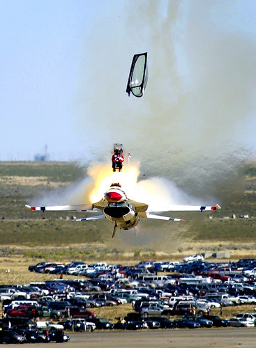 Plane crash, crash video plane, airplane crash, aircraft crashes - F-16 crash ejection
