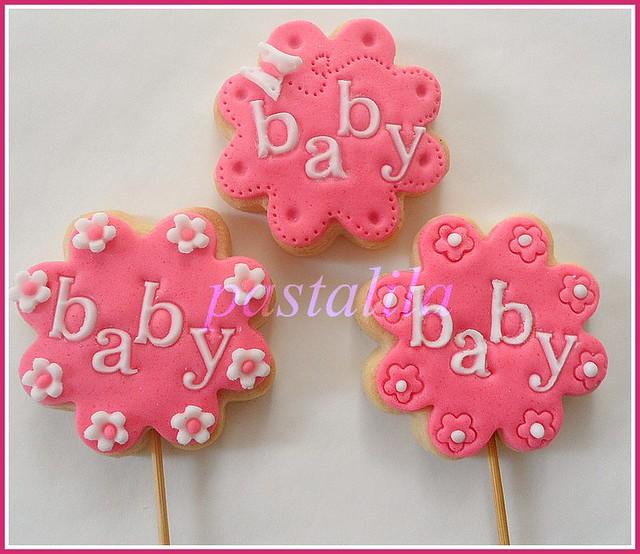kız bebek kurabiyeleri