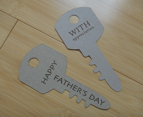recycling ideas and tutorial for father's day: a tie-ny token of appreciation