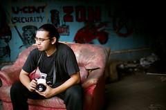 06980033 (Nasey) Tags: portrait people slr abandoned film olympus malaysia kualalumpur pentacon zuiko 50mmf14 haris kisho pentaconsixtl om2n fujipro160s nasey rupajiwa flatpekeliling nasirali airul