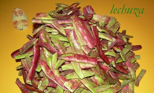 Judias verde-moradas cortadas