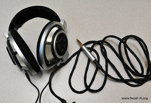Sennheiser HD800 and its cable