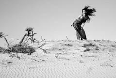 Edna... (Memo Vasquez) Tags: portrait blackandwhite bw woman blancoynegro beach sonora mxico mujer wind retrato playa bn modelo aire edna sancarlos memovasquez platinumheartaward mygearandme mygearandmepremium mygearandmebronze ringexcellence