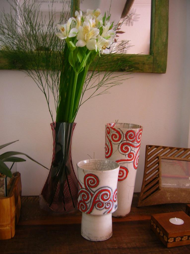 Vasos em  Cerâmica e Plástico