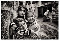 3 arkada (arinna67) Tags: friend child ocuk siyahbeyaz arkada ankarakale naturalbeautyportraiture blackwhite3arkadafriends arinna67