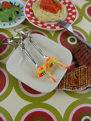 (Shay Aaron) Tags: food house tomato miniature italian doll handmade sauce fake fork pasta polymerclay fimo noodle spaghetti dollhouse twirling שי אוכל מזון מזלג עגילים עגבניות ספגטים ספגטי אהרון פסטה רוטב מיניאטורות שימלאכתיד אטריות מיניאטורי נודלס אוכלאיטלקי