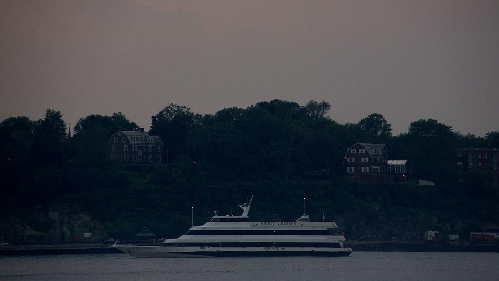 Jersey City shore, Hudson River, Manhattan view