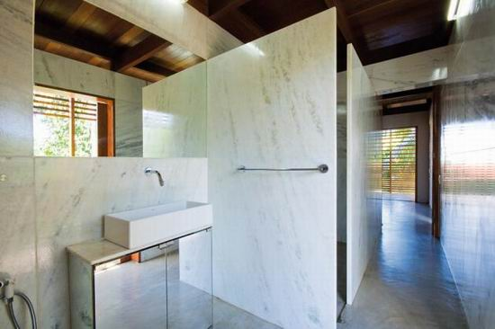 Casa Tropical Bathroom Design Minimalist