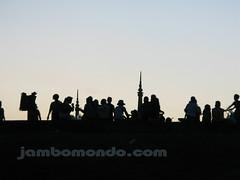 Gente en lo alto de National Olympic Stadium de Camboya, en Phnom Penh