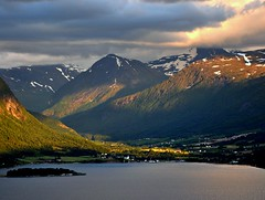 Vistdal, summer evening (ystenes) Tags: mountain norway landscape photography norge photo nikon foto norwegen valley fjord 1001nights landschaft fjell norvege fotografi bilde mreogromsdal magiccity fiatlux d90 nikond90 vistdal platinumheartaward flickrestrellas fannefjorden platinumpeaceaward 1001nightsmagiccity mygearandme mygearandmepremium mygearandmebronze mygearandmesilver mygearandmegold magiccty mygearandmeplatinum mygearandmediamond